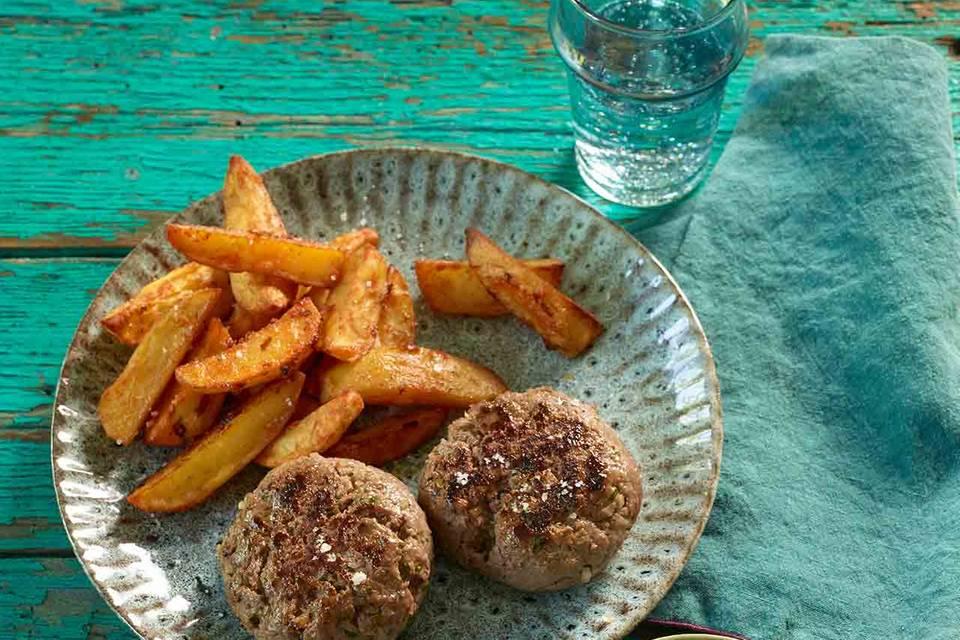 Tartarfrikadelle mit Kartoffelecken Rezept