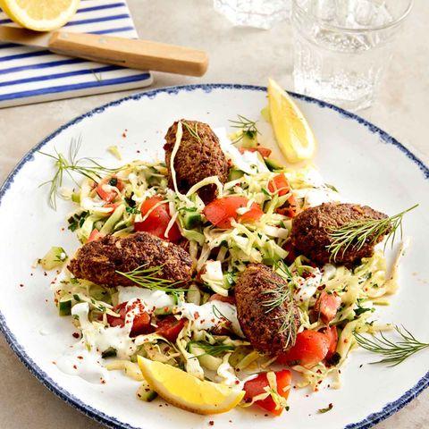 Köfte mit Salat