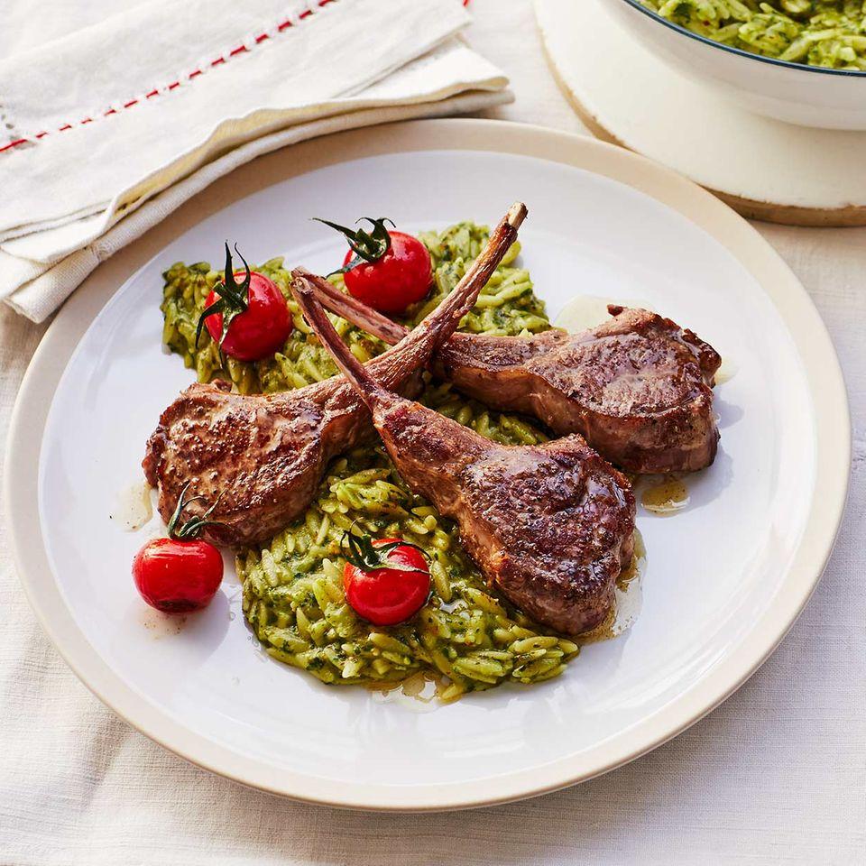 Pastasotto mit Pesto und Lammkoteletts Thermomix ®: Rezept
