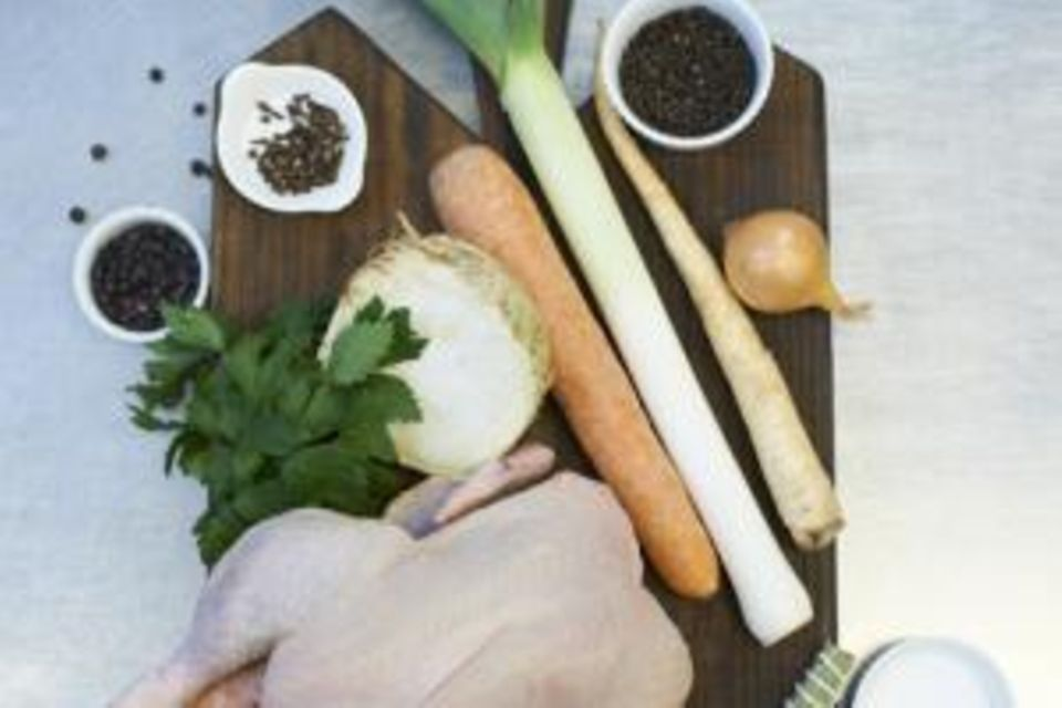 Hühnersuppe: So geht der Rezeptklassiker