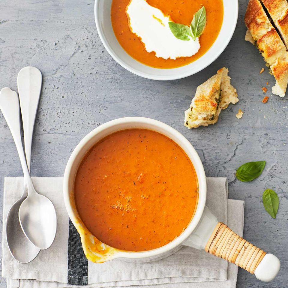 Kürbis-Tomaten-Suppe mit Gin-Sahne für Thermomix ®