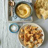 Blumenkohl aus dem Ofen mit Linsen-Hummus