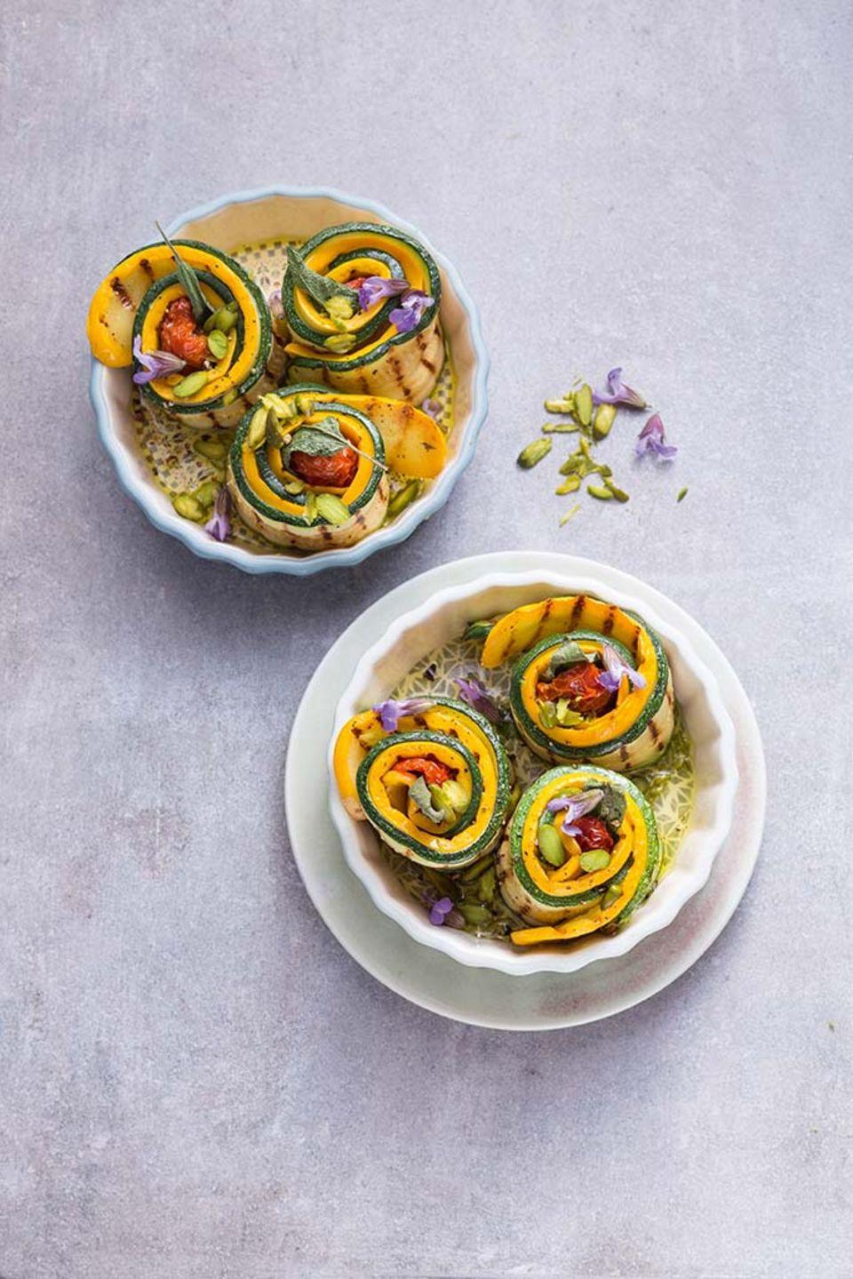 Einfach zum Vernaschen: Ofen-Zucchiniröllchen