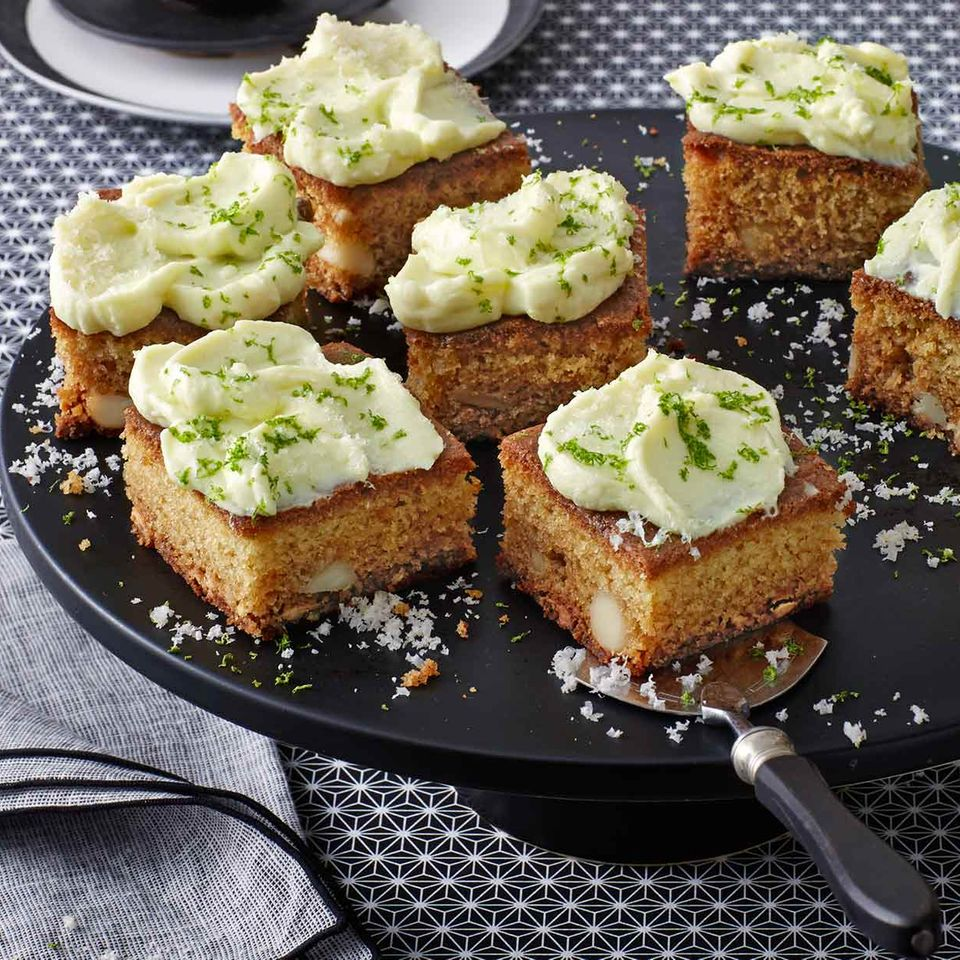 Blondies mit Wasabi-Topping