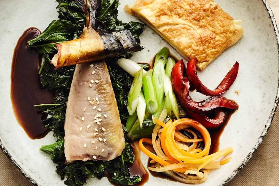 Grünkohl mit Räuchermakrele und Omelette Rezept