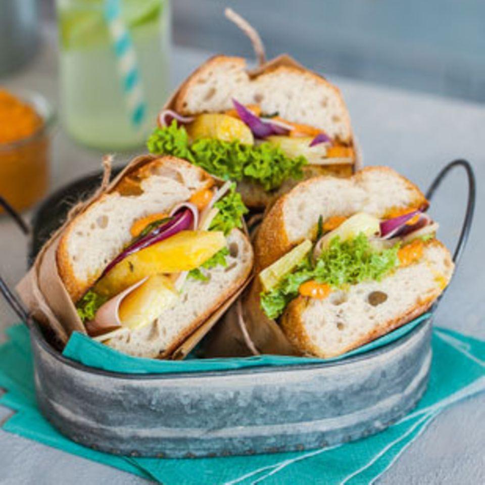 Hawaii-Sandwich mit Paprikamayonnaise