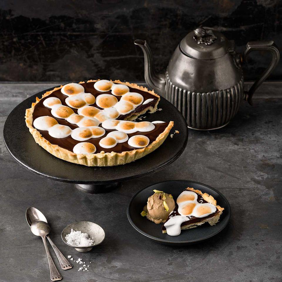 Schokoladen-Espresso-Tarte mit Meringue