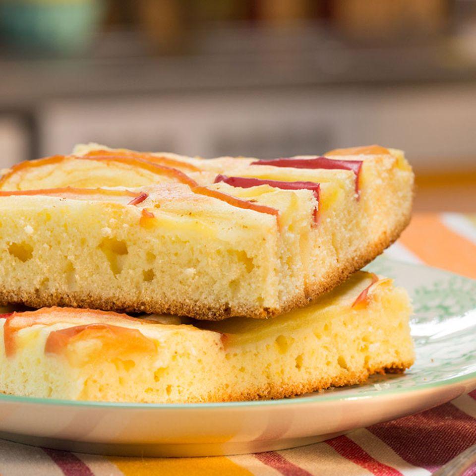 Apfelkuchen schnell und fein von Einfach lecker