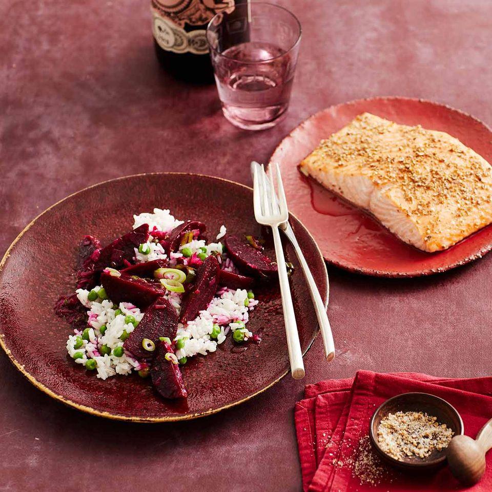 Erbsen-Reis-Salat mit Rote bete und Koriander-Lachs: Thermomix ® Rezept