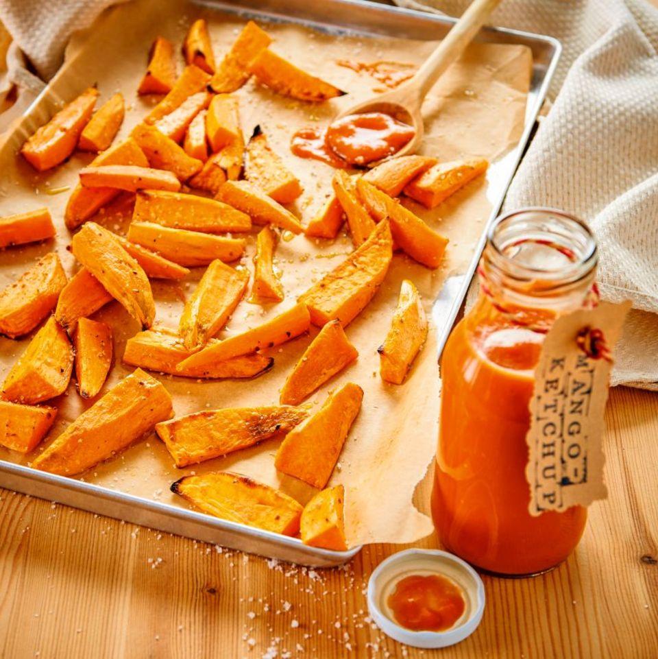 Mango-Ketchup mit Süßkartoffelwedges