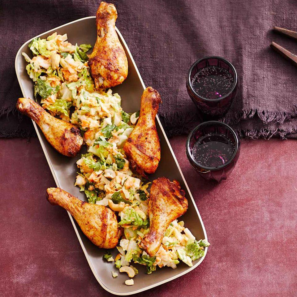 Asiatischer Weißkohl-Möhren-Salat mit Drumsticks: Thermomix ® Rezept