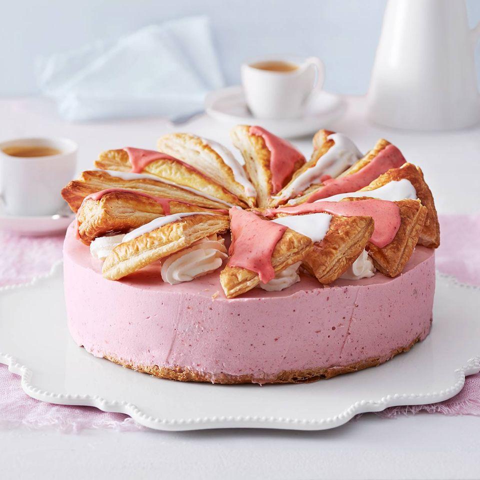 Profiteroles-Erdbeer-Torte: Thermomix ® Rezept