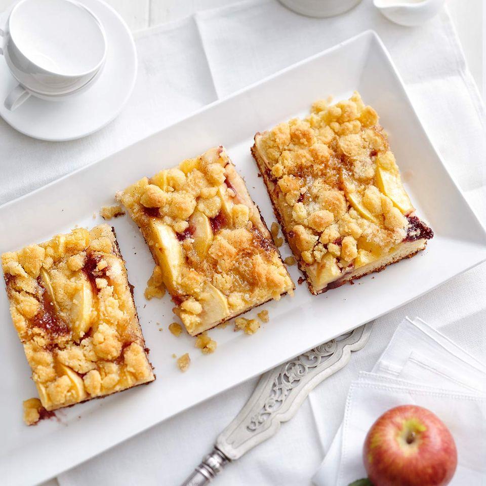 Holunder-Apfel-Streuselkuchen: Thermomix ® Rezept