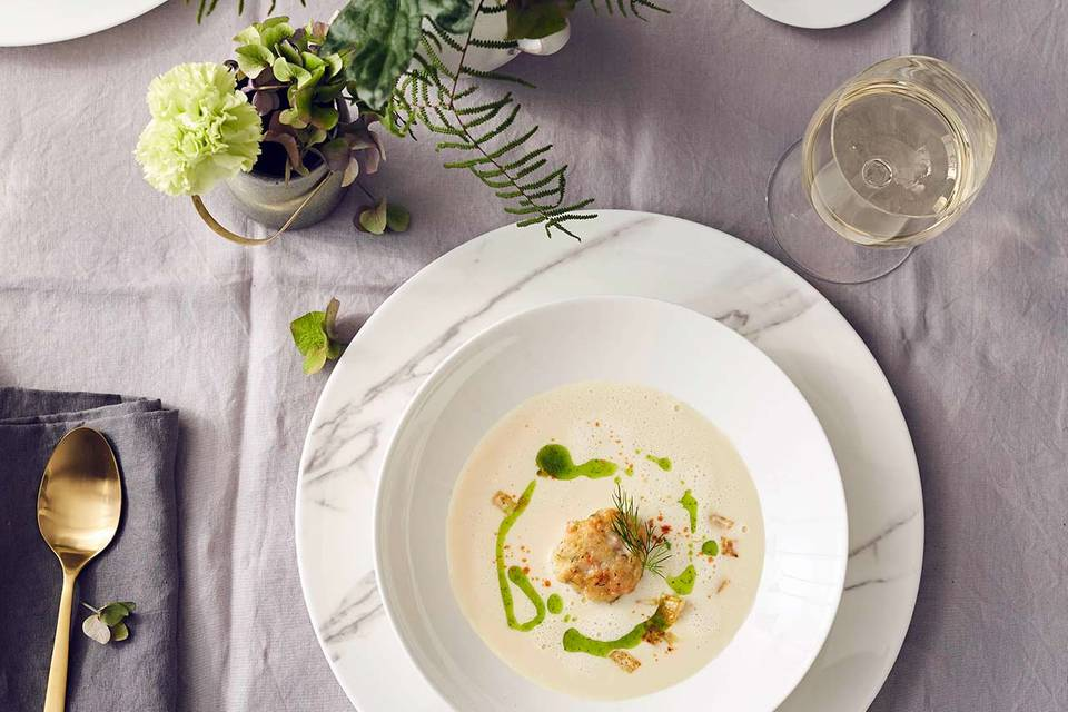 Sellerie-Meerrettich-Suppe mit Garnelenbuletten Rezept