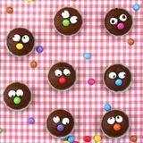 Muffins mit Gesichtern