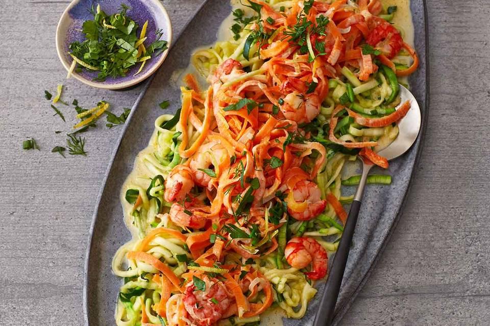 Gemüse-Pasta mit Garnelen und Kräuter-Gremolata Rezept