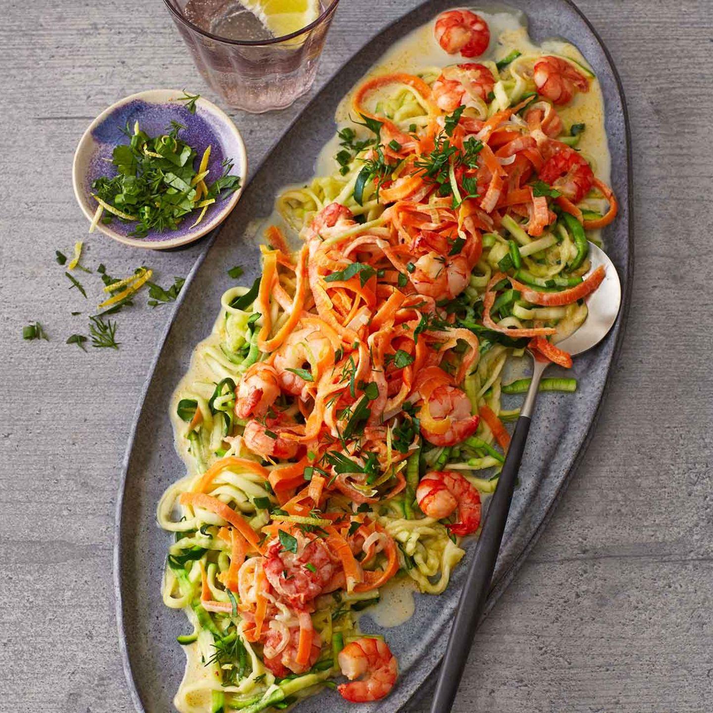 Gemüse-Pasta mit Garnelen und Kräuter-Gremolata