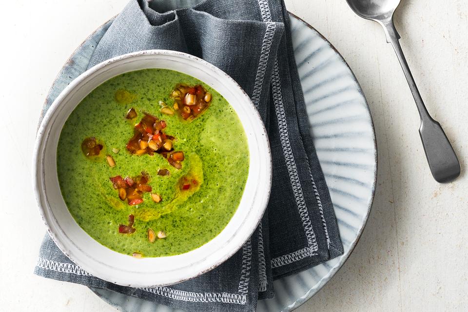 Spinat-Minz-Rahmsuppe mit Tomaten-Relish Rezept