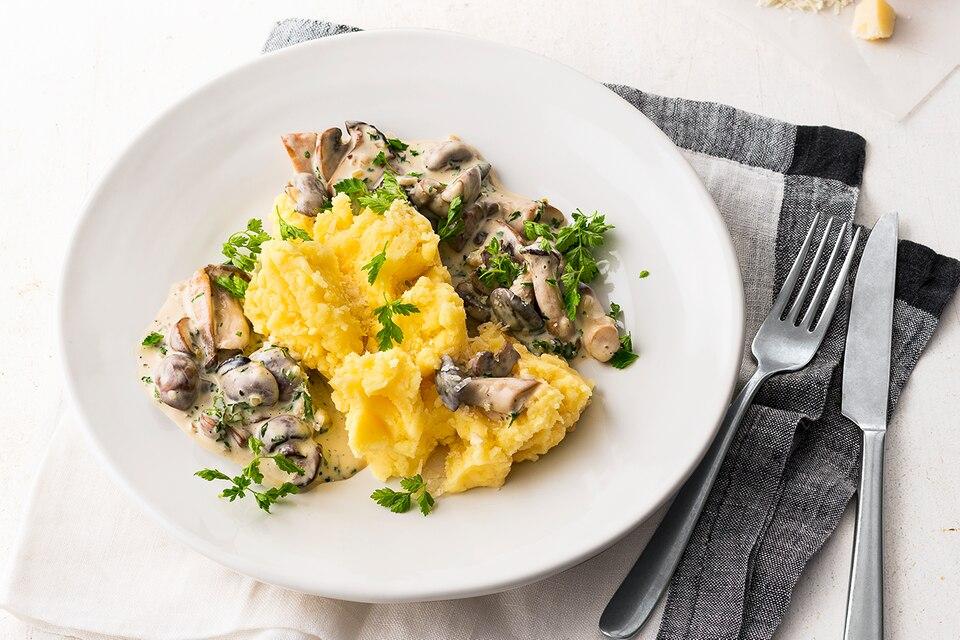 Kartoffel-Parmesan-Stampf mit Pilzragout Rezept