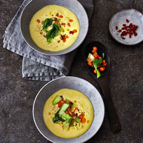 Gelbe-Linsen-Suppe mit Möhren und Pak choi