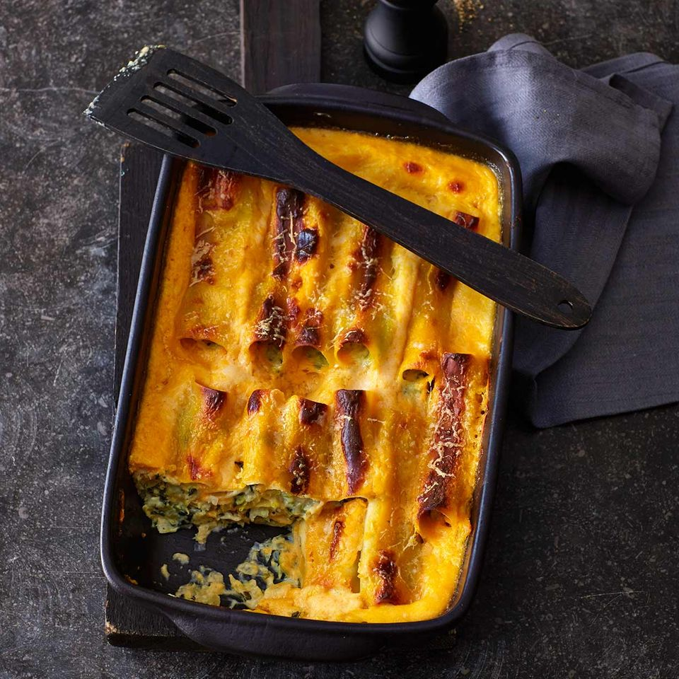 Cannelloni mit Wirsing und Kürbissauce