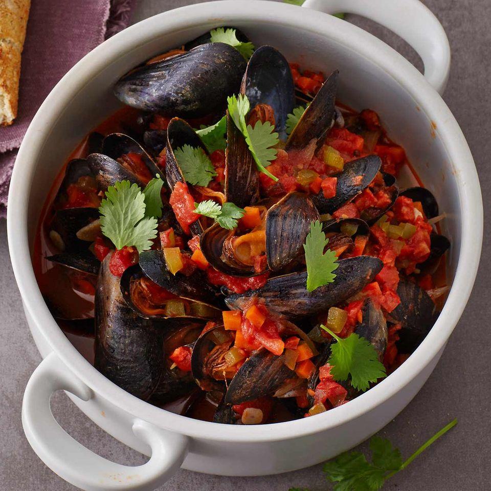 Miesmuscheln im Chorizo-Tomaten-Sud