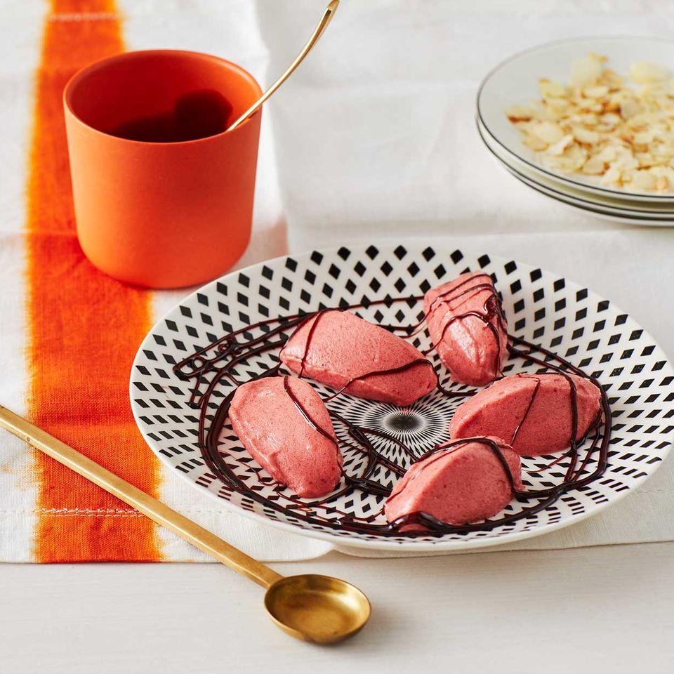 Erdbeer-Sorbet mit Rotweinsirup für Thermomix ®