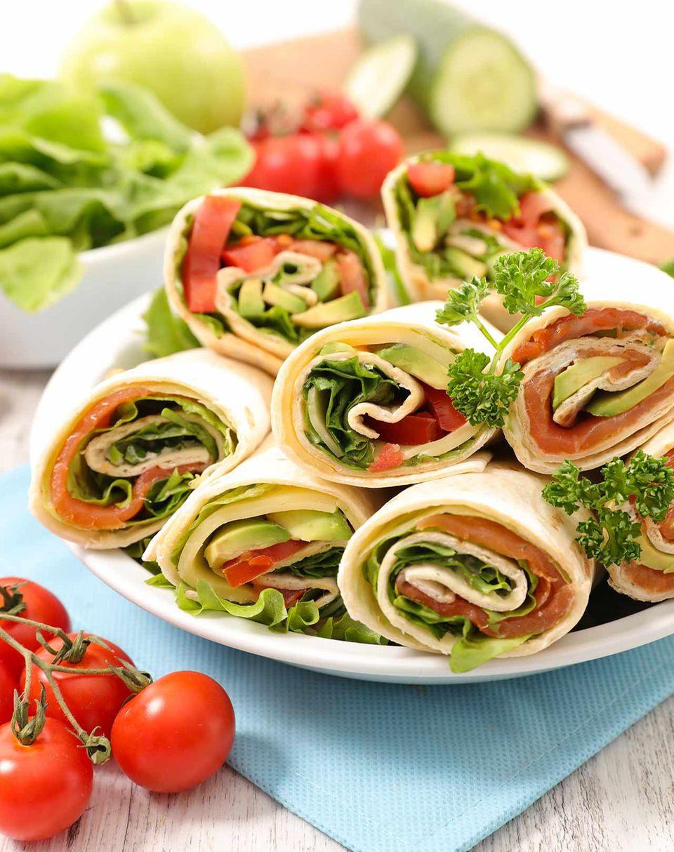 Wraps mit Salat, Gemüse und Schinken