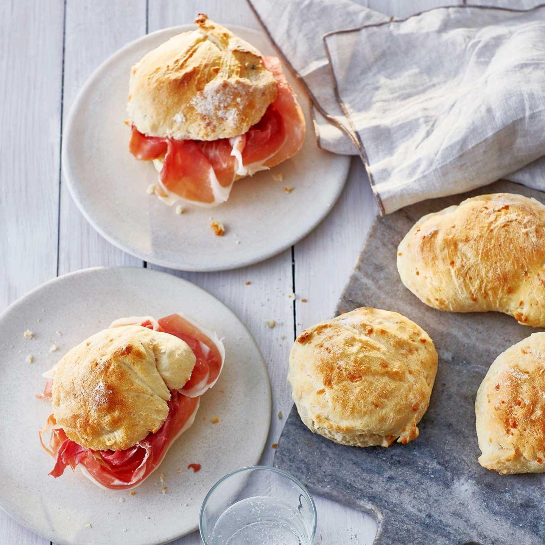 Focaccia-Brötchen mit Parmesan