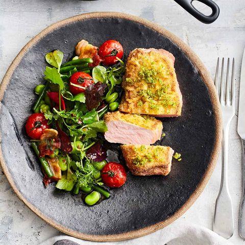 Kalbsrückensteak mit Tomaten-Bohnen-Salat