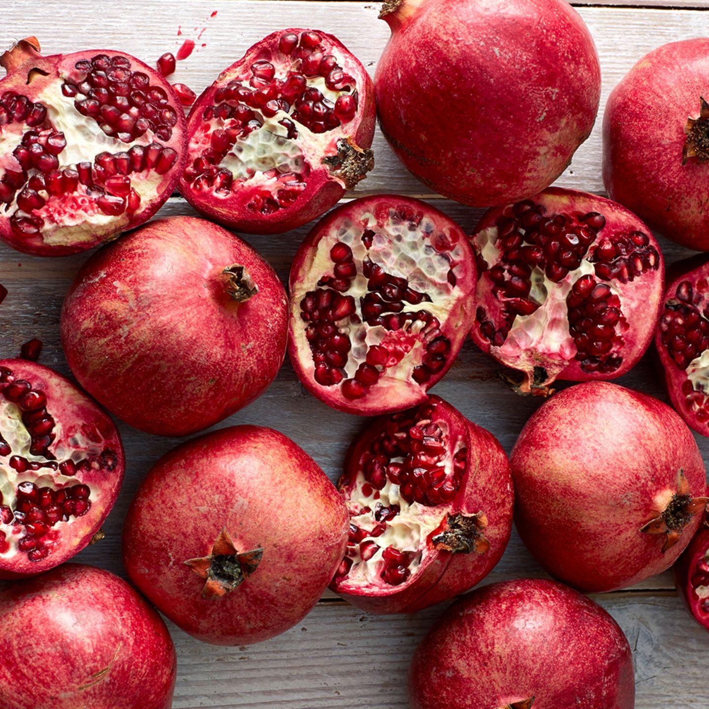 Granatäpfel haben eine tolle rote Farbe
