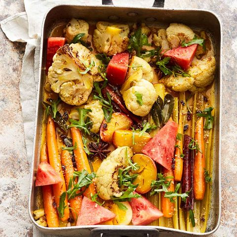 Lauwarmer Safran-Gemüse-Salat mit Nektarinen