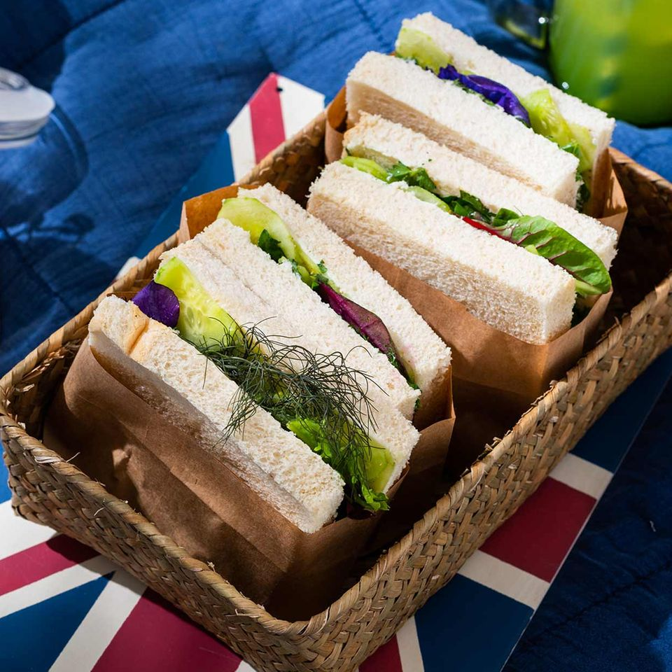 Gurken-Sandwich mit Ziegenfrischkäse