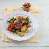 saltimbocca mit salsa und roestkartoffeln