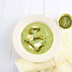 Zucchini-Suppe mit Gremolata