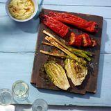 Gefüllte Spitzpaprika und Grillgemüse