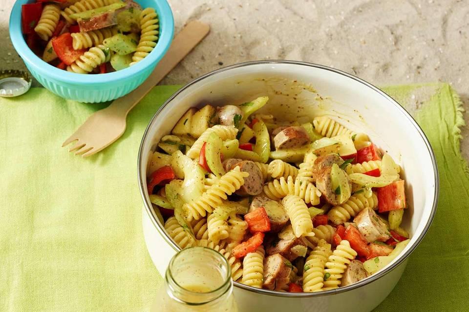 Nudel-Bratwurst-Salat Rezept