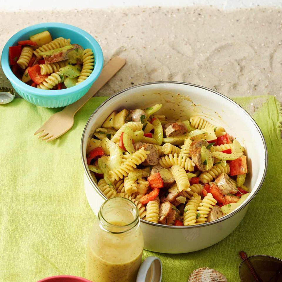 Nudel-Bratwurst-Salat