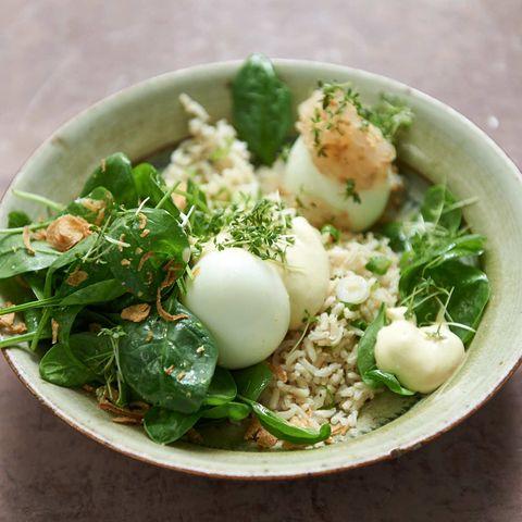 Reis-Bowl mit Spinat und Ei