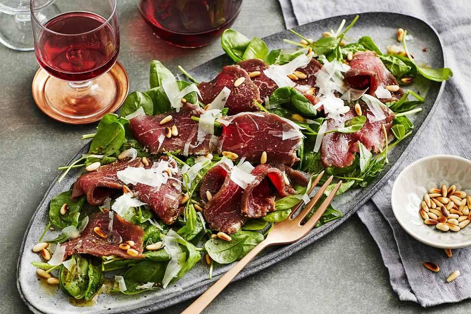 Gebeiztes Rinderfilet auf Spinat-Salat Rezept