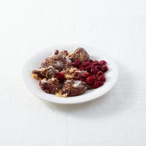 Schoko-Kokos-Schmarren mit Himbeerkompott