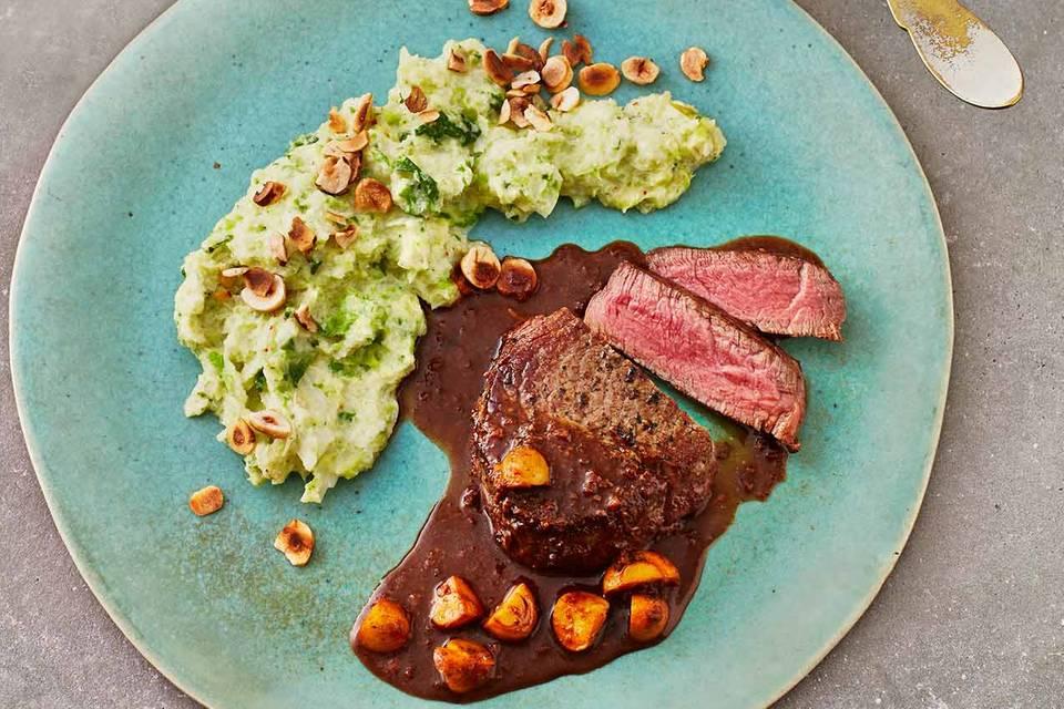 Rindermedaillons mit Wirsingpüree und Pilzsauce Rezept