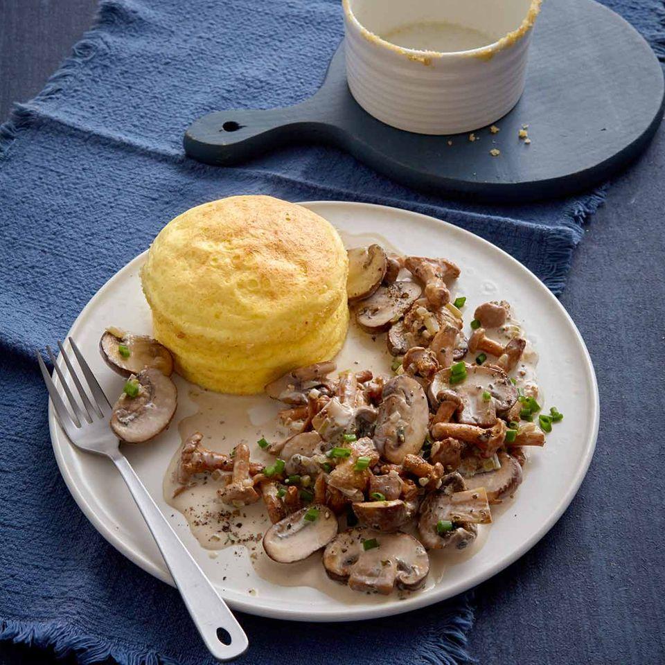 Low-Carb-Käse-Soufflé mit Pilzrahm