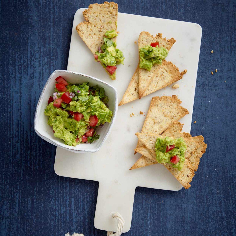 Low-Carb-Nachos mit Guacamole