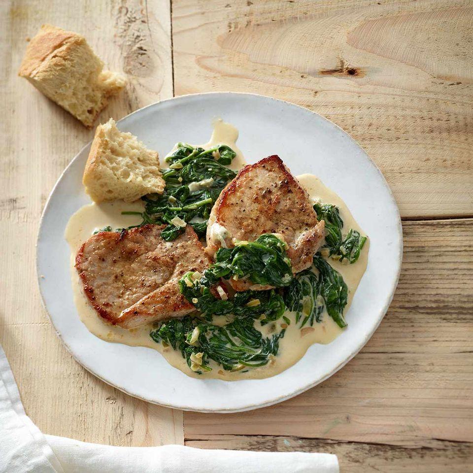 Schweineschnitzel mit Gorgonzola-Spinat
