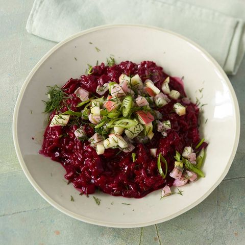 Rote-Bet-Risotto mit Matjes