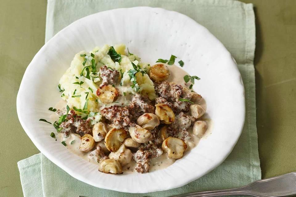 Pilz-Hack-Pfanne mit Kartoffel-Sellerie-Stampf Rezept