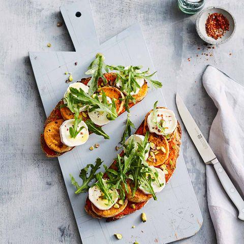 Offenes Süßkartoffel-Sandwich