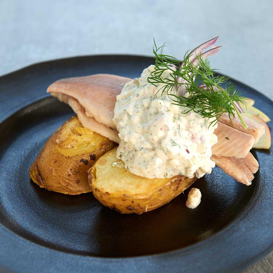 Röstkartoffeln mit Forelle Hausfrauenart