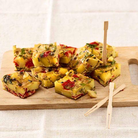 Tortilla mit Paprika und Sardellen